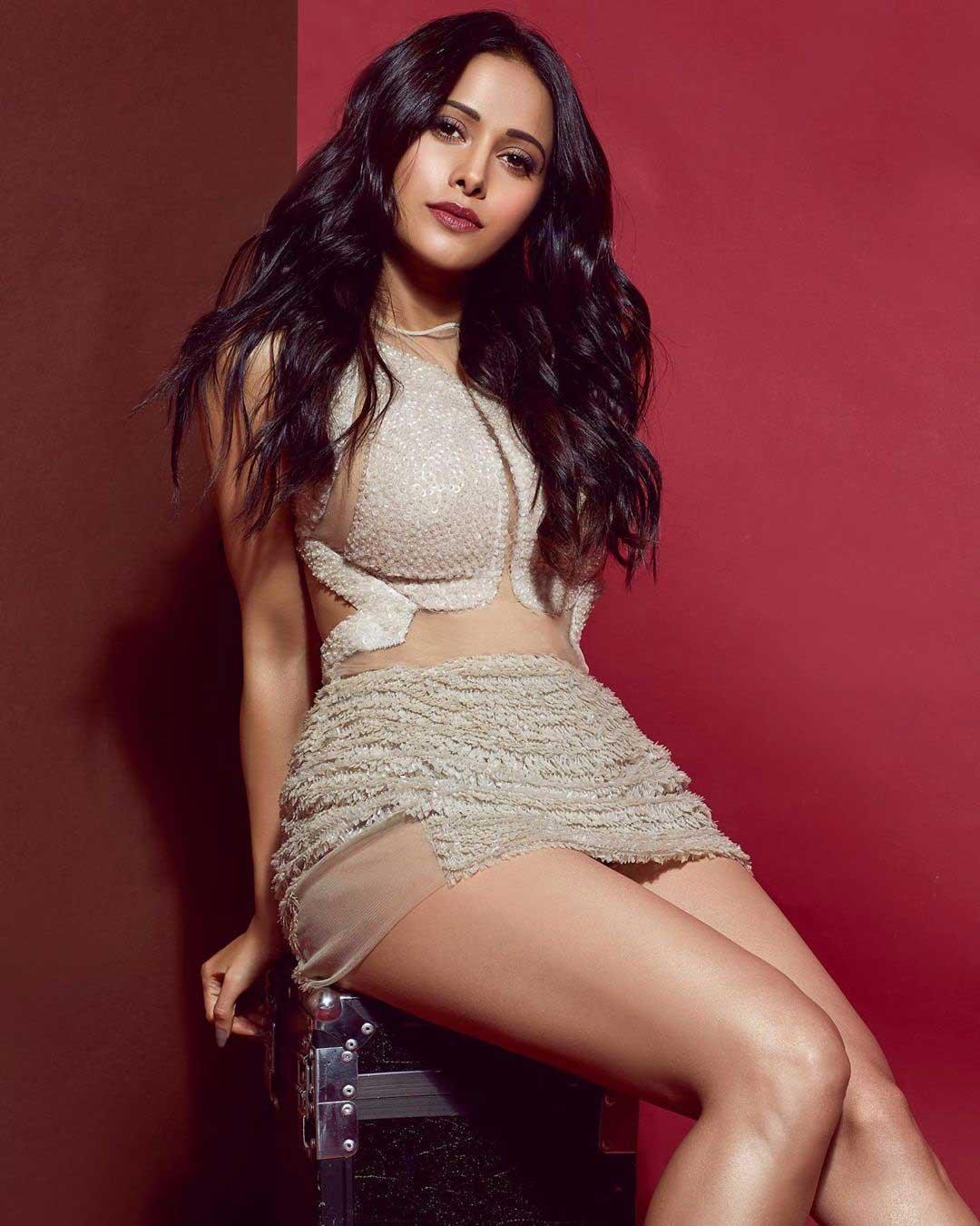 Nushrat Bharucha Hot and Sexy, Nushrat Bharucha Thighs