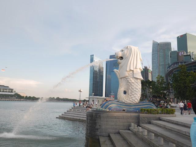 symbol of singapore at Marina Bay