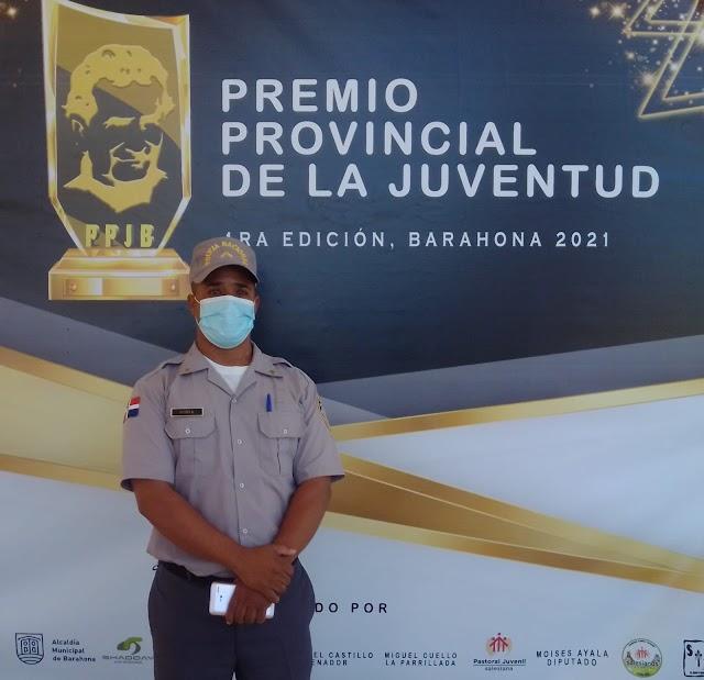 Ascienden a Sargento a locutor y Relacionador Público de la Policía Nacional. Manuel Algenis Rubio(Super Dandy)