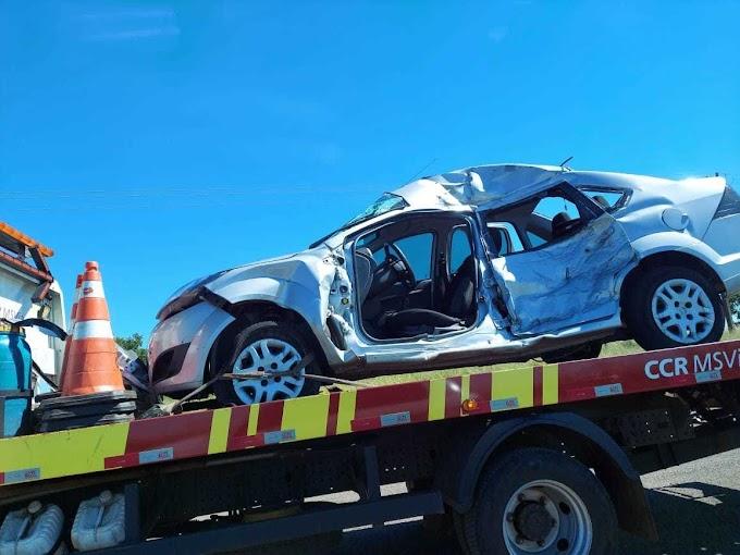 Mulher morre em acidente entre carro e caminhão na saída para Cuiabá