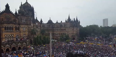 A huge crowd gathered at the Chhatrapati Shivaji Terminus in Mumbai to protest the demolition of Dr BR Ambedkar's office in Dadar, in June.   The protest had been organised by Ambedkar's grandson, Prakash Ambedkar, who had also invited JNUSU president Kanhaiya Kumar to take part in the protest.   Kanhaiya Kumar gave a stirring speech and raised his azadi slogans, which reverberated through the crowd.