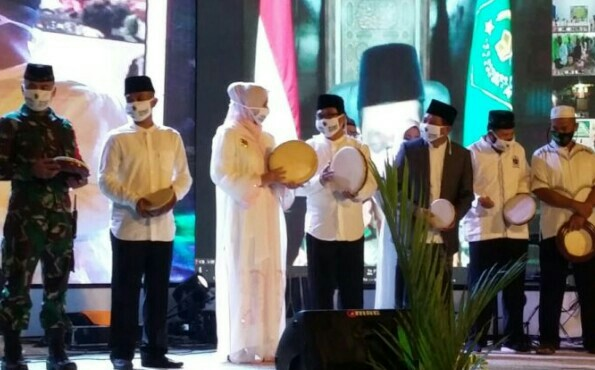 Jember Bersholawat ,Berdoa Bersama  Untuk Keselamatan Dan Bisa Keluar  Dari Pandemi Covid -19.