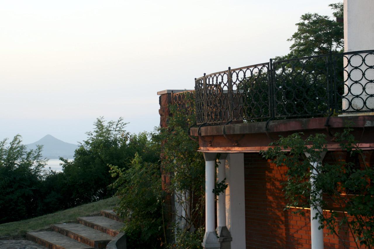 zdjęcie turystyczne - widok z kwatery na Balaton