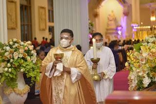 Pastor Paroki Santo Yosep Fakfak, Komsos Bagian Dari Pelayanan Untuk Memotivasi Umat Ke Gereja