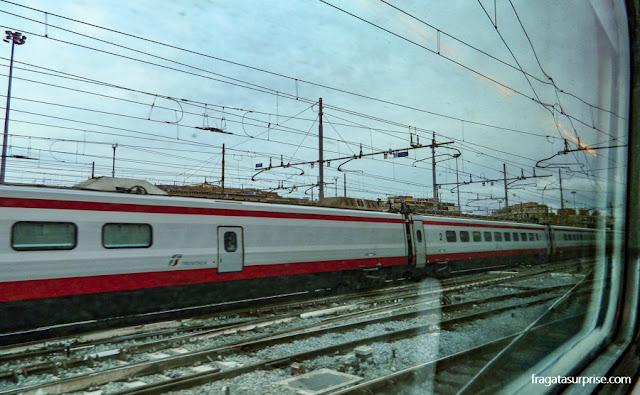 trem da estação de Termini para o Aeroporto de Fiumicino, Roma