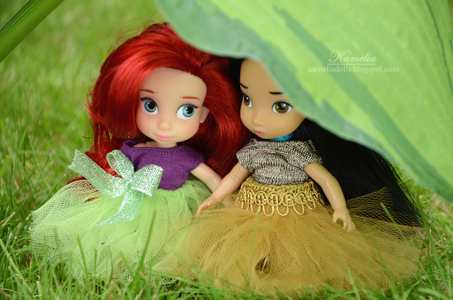 Disney Store mini Ariel and Pocahontas