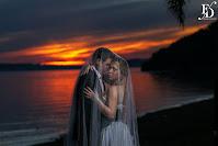 ensaio pré-wedding trash the dress realizado em porto alegre na orla de ipanema e no parque gabriel knijnik com o belíssimo por-do-sol da capital gaúcha de cenário com cerimonial de fernanda dutra cerimonialista em porto alegre