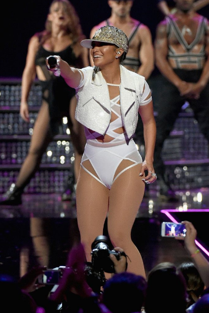 Jennifer Lopez moves her phat booty at 2015 iHeartRadio Music Festival in Las Vegas