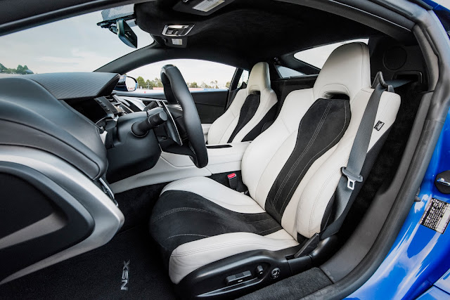 2017 Acura NSX Canada
