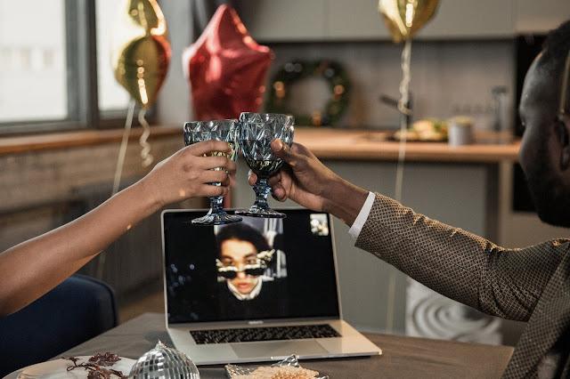 6 maneiras incríveis de comemorar a festa de Natal virtual |  Querida Kitty Kittie Kath 2