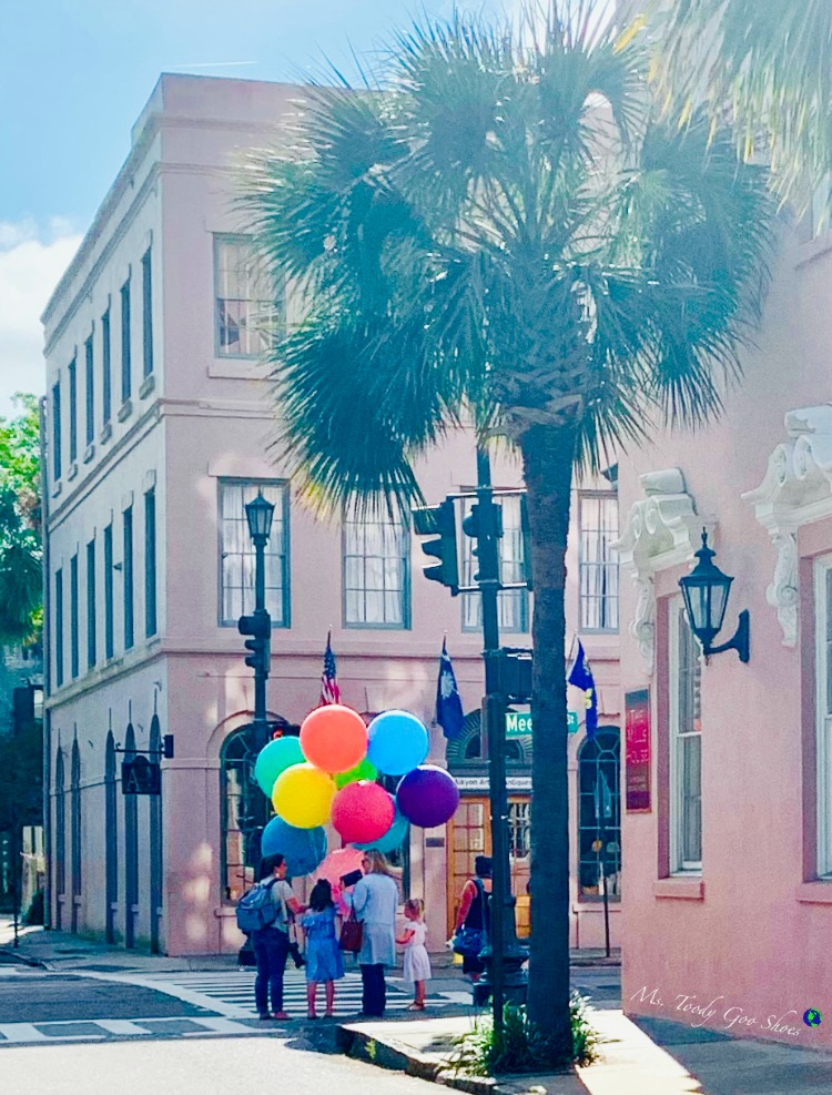 There's something interesting to see on almost every street corner in Charleston, SC | Ms. Toody Goo Shoes