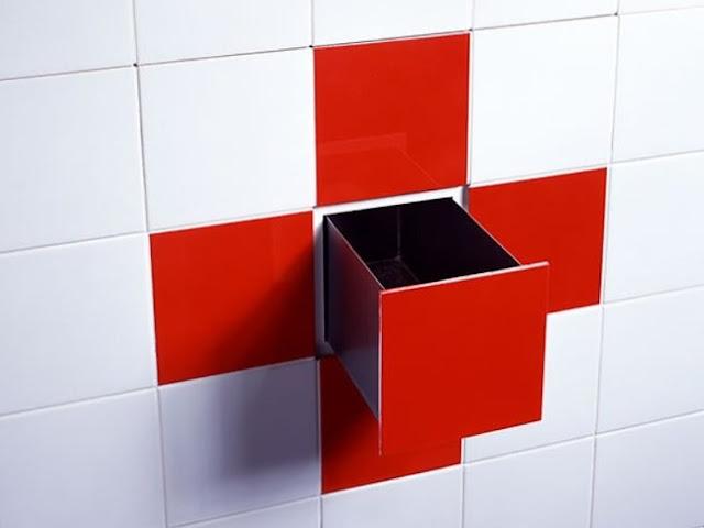 Uma cerâmica com o ar de um cofre ... Sim, é no banheiro!