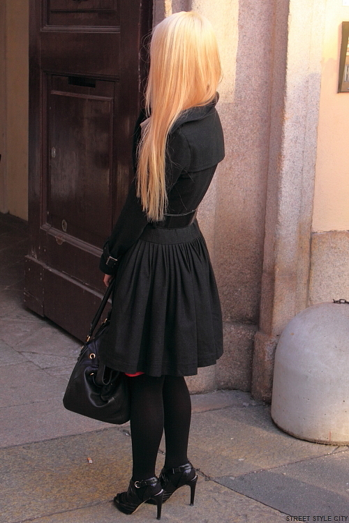 fall fashion fashionweek look milan ootd candid outfit street streetfashion streetstyle style winter candid