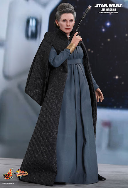 osw.zone Hot Toys Star Wars: The Last Jedi 1/6. Scale Carrie Fisher as Leia Organa Collectible