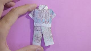 Hướng dẫn cách gấp quần áo bằng tiền giấy siêu dễ
