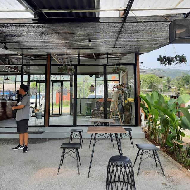 Cafe & Resto Jatuh Hati Sentul