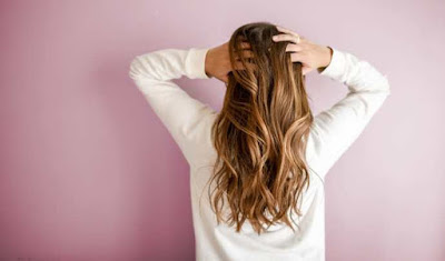 5 وصفات معجزة لترطيب الشعر الخشن والجاف
