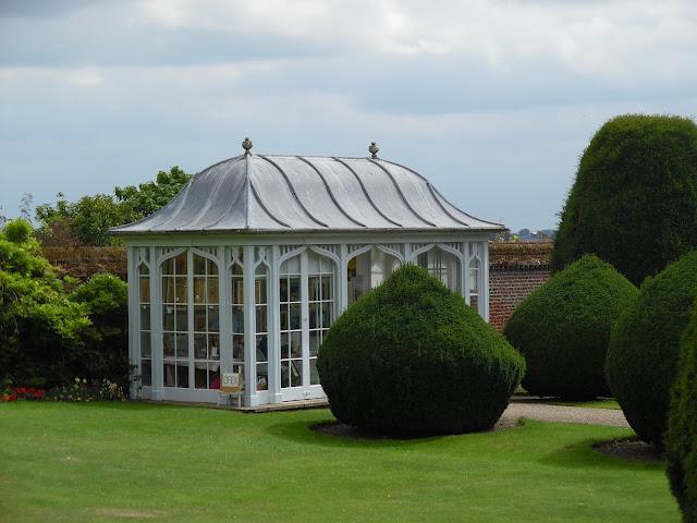angielska altana, pawilon ogrodowy