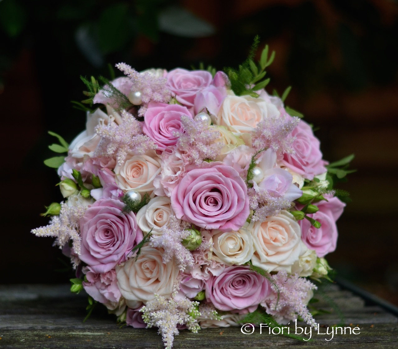 Wedding Flowers Blog: Emma\'s Shabby Chic Wedding Flowers, Rhinefield ...