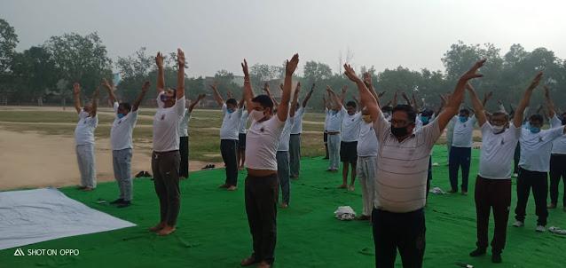 हरियाणामें ''अंतर्राष्ट्रीय योग दिवस'' पर किए योगासन से लिया निरोगी रहने का संकल्प