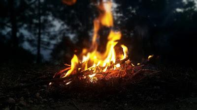 Tips Meminimalkan Penggunaan dan Dampak Api Saat Mendaki Gunung