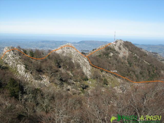Vista, desde el Trigueiro, del cresterio seguido para llegar a su cima