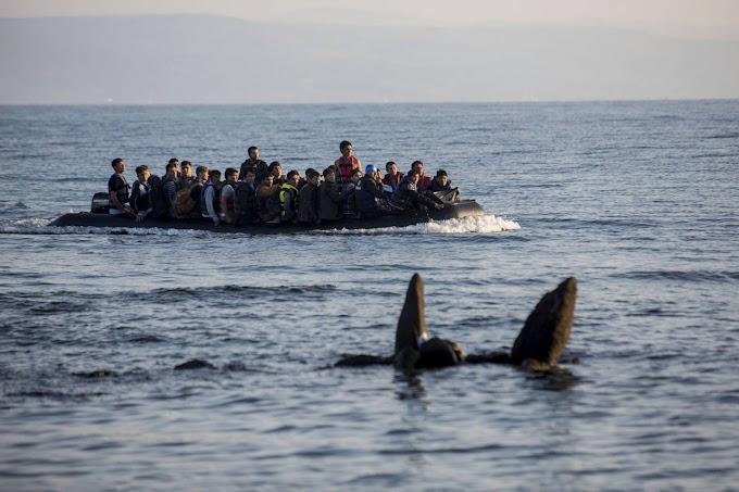 A török partiőrség kísért migránsokkal teli hajókat görög felségvizekre