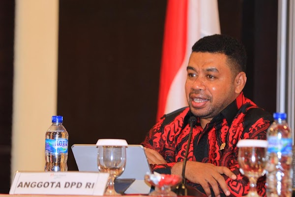 Senator Papua Desak Jokowi Cabut Izin Investasi Miras di Provinsinya