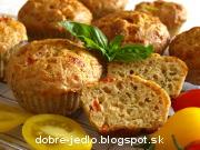 Celozrnné syrové muffiny s paradajkami - recept