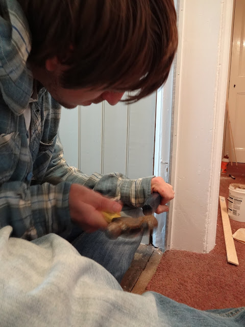 chiselling out hinges in door frame