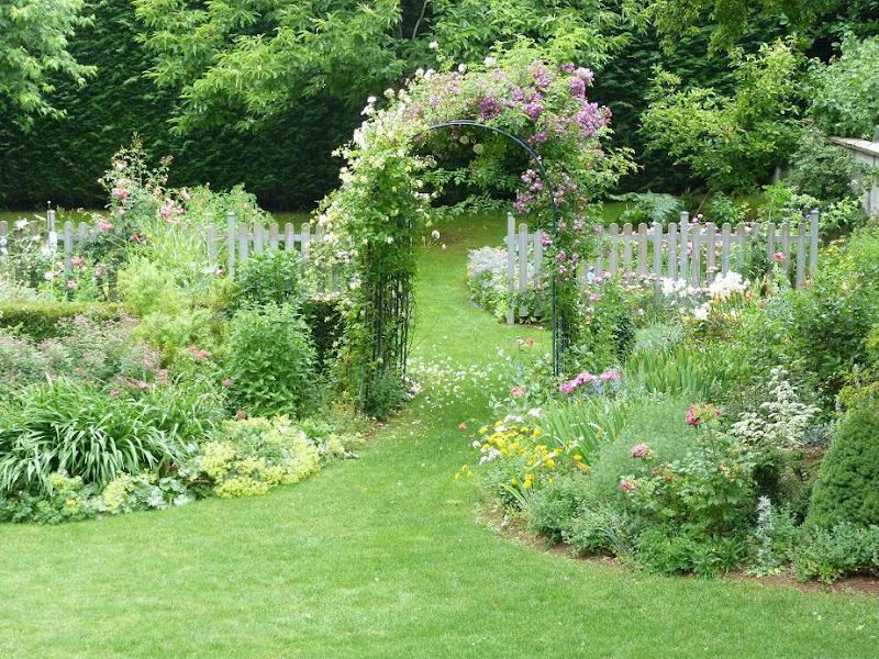 Les pins noirs pergola recto verso - Petit jardin romantique tours ...