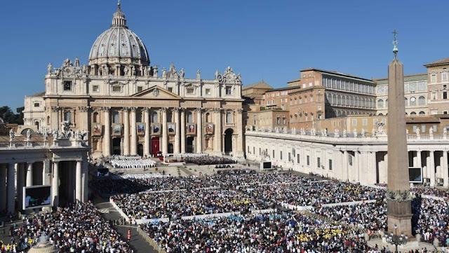 Vaticano tiene la intención de excomulgar a políticos corruptos mexicanos.