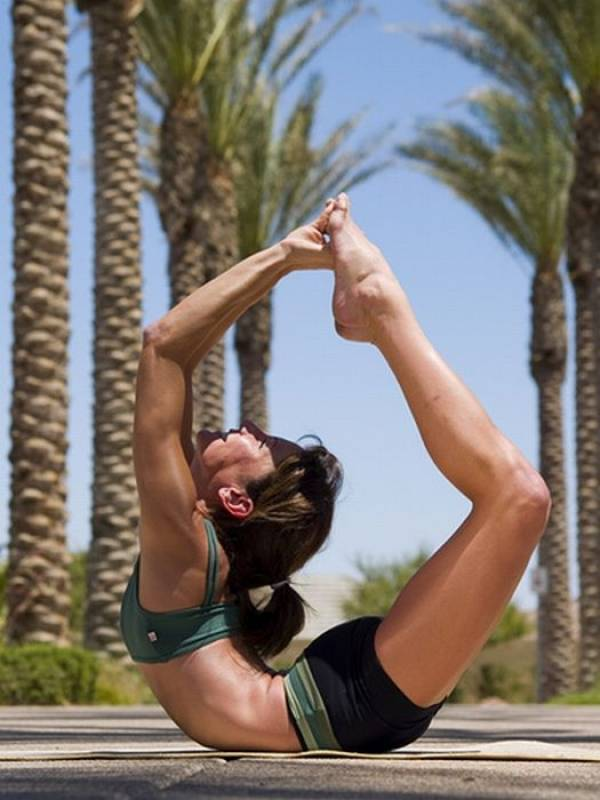 Most Amazing Extreme Poses In Yoga