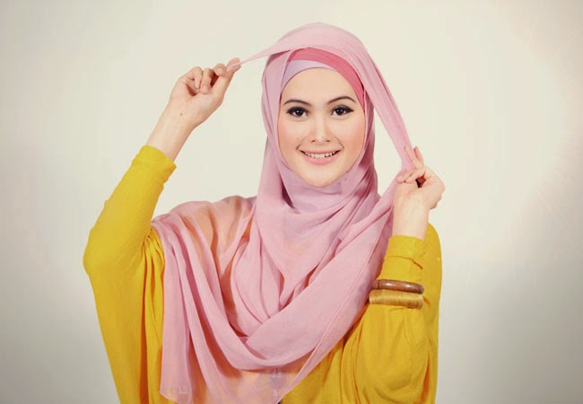 Jilbab Pengantin Segiempat