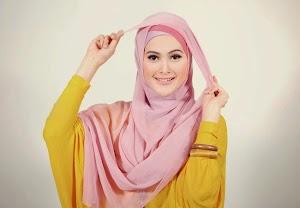 Inilah Gaya Hijab Pengantin Dengan Model Hijab Segi Empat Terbaru