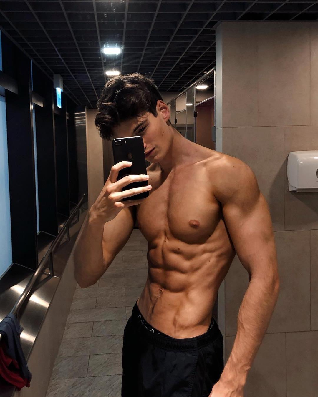 young-cute-dude-fit-body-barechest-ripped-abs-pecs-slim-boy-selfie