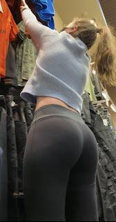 Linda chica calzas grises