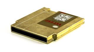 Cartucho dorado con el primer Zelda (1987)