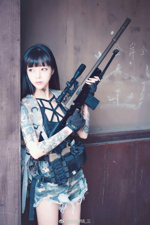 girls-cosplay-girl-with-gun-sousa-nude