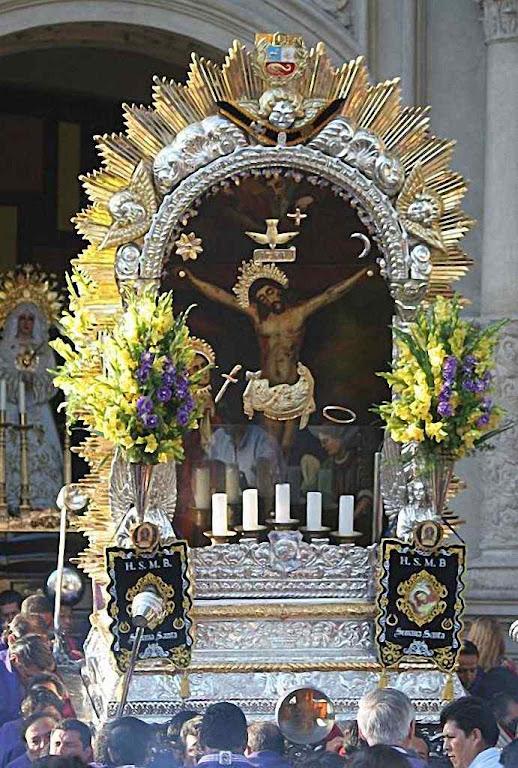 Senhor dos Milagres, quadro original levado em procissão em Lima.