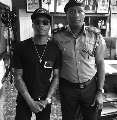 wizkid and linda ikeji meet with police commissioner