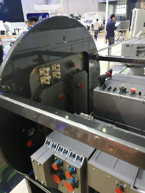 رادار KLJ-7A AESA للمقاتله JF-17 Block III Type%2BKLJ-7A%2Bairborne%2BAESA%2Bradar%2Bfor%2BJunk%2BF-17%2BBlock%2BIII%2B%2526%2Bmock-up%2Bof%2Btwin-seater%2Bversion%2BJF-17B%2B2