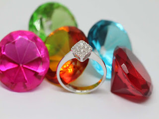 perhiasan-kerajinan-tangan-khas-bali.jpg