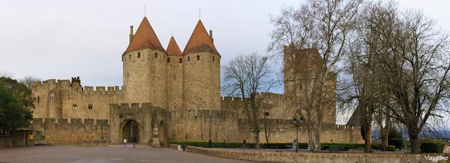 Panorama sulla porta principale di accesso alla Cittadella fortificata.