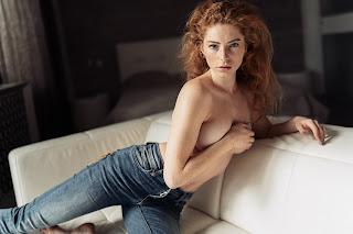 Hot Girl Naked - Vladimir-Serkov-fgQMcCdGt-g.jpg