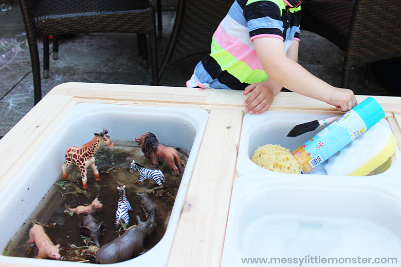 zoo animal water sensory play
