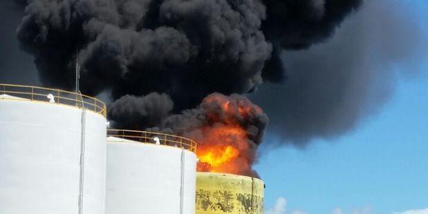 Fuel storage tank blaze in Apia, Samoa