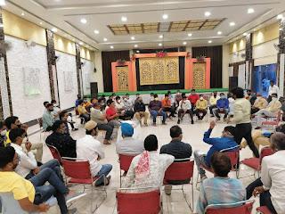 शादी एवं अन्य समारोह से जुड़े व्यापारियों की बैठक आयोजित