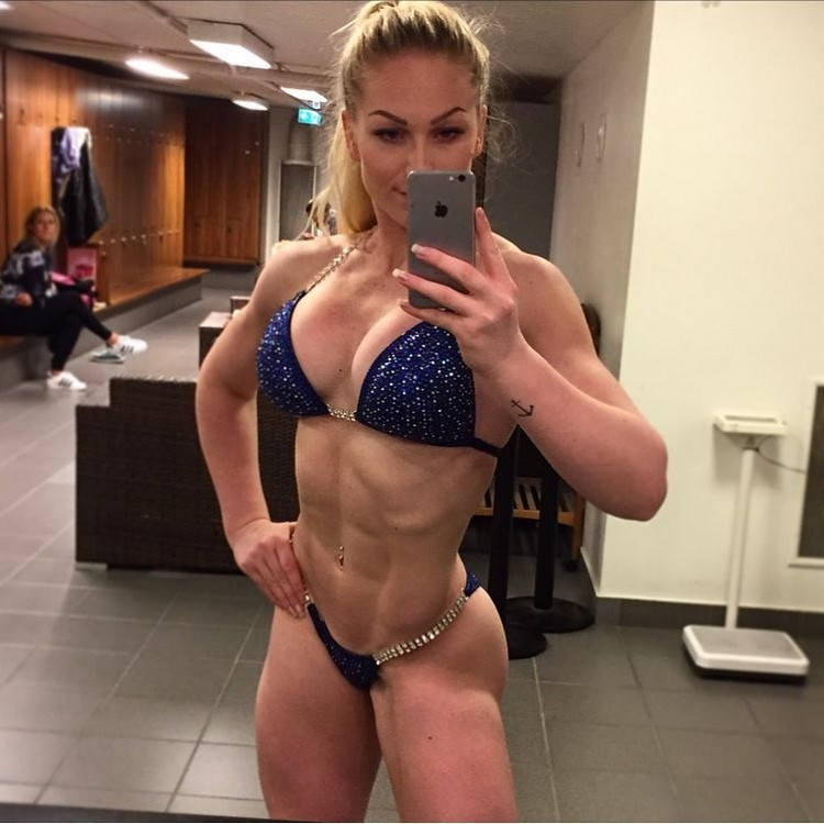 Amazing 6 pack ABS IFBB PRO Frida Paulsen Stern 0002