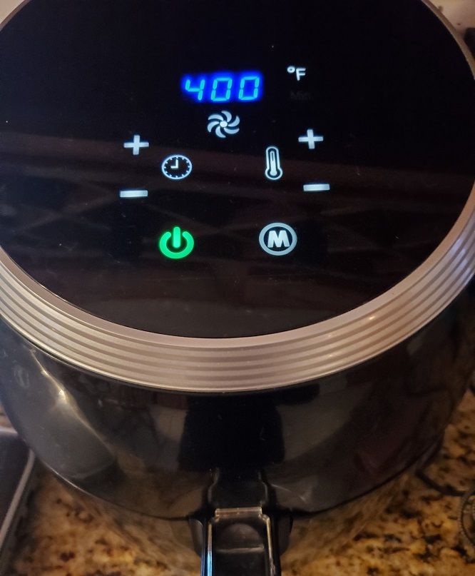 this is an air fryer set to 400 degrees to air fry pies